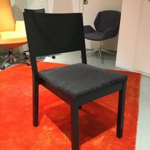Wiesner-Hager S13 -tuoli, musta