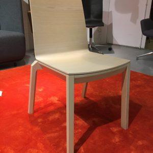 Vaaleanruskea Wiesner-Hager arta -tuoli