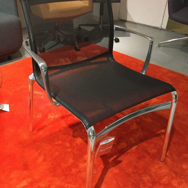 Alias frame 52/459 XL -tuoli musta