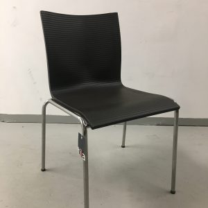 Engelbrechts Chairik XL 121 -tuoli, musta