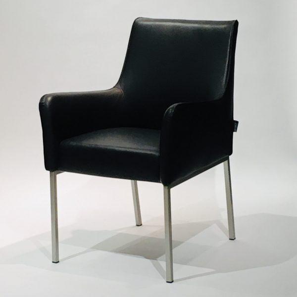 Linteloo Giulietta -tuoli, musta