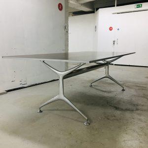 Alias frametable -pöytä ruskea