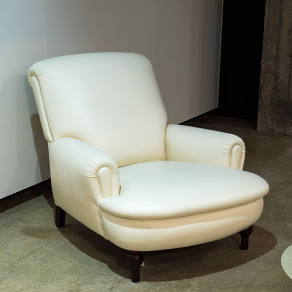 Poltrona Frau Eleonora -nojatuoli valkoinen
